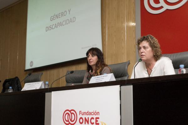 Momento de a jornada inaugurada por Teresa Palahí, secretaria general de Fundación ONCE y comisionada de CERMIS Autonómicos y que contó como formadora con Isabel Caballero
