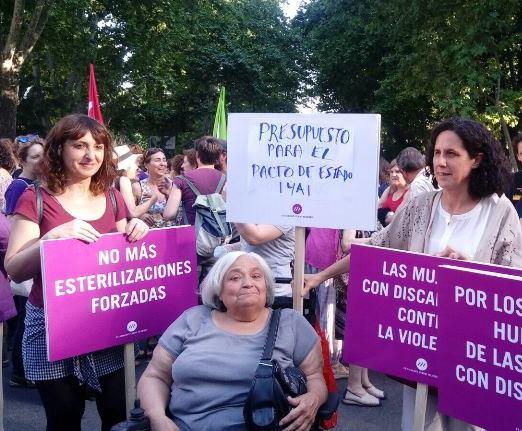 Delegación de la FCM en la manifestación del jueves en Madrid para pedir presupuestos para luchar contra la violencia machista