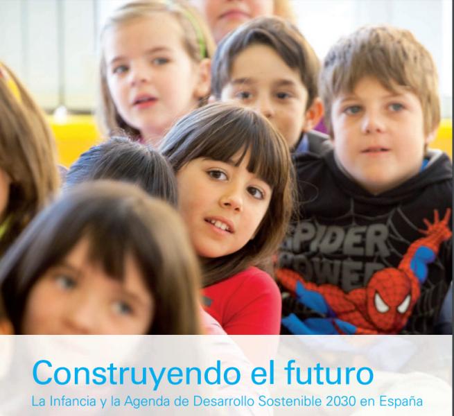 """Grupos de niños y niñas bajo el epígrafe: """"Construyendo un mundo mejor"""""""