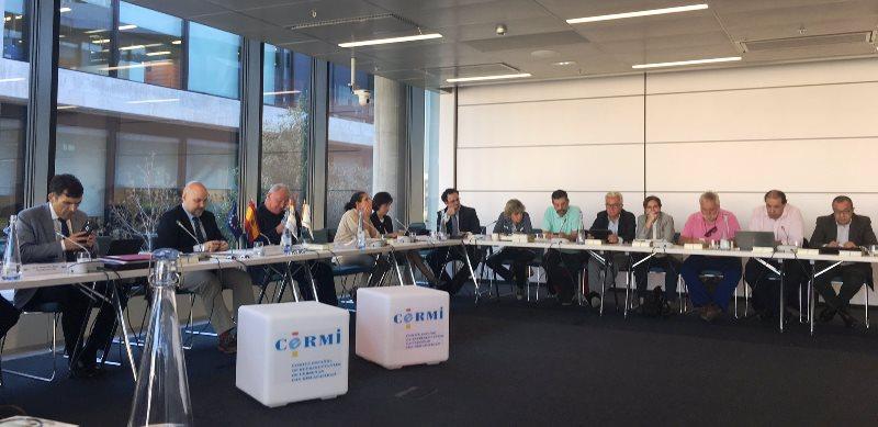 Comité ejecutivo del CERMI Estatal en la Ciudad del BBVA debatiendo la situación de las personas con discapacidad