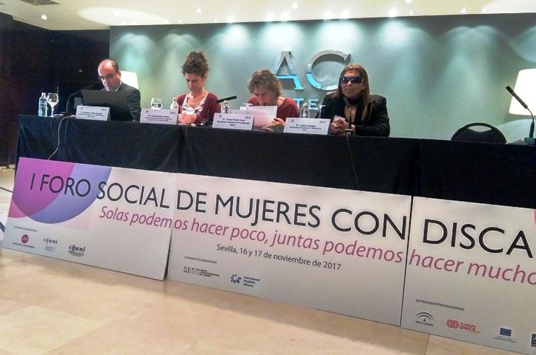 Momento en el I Foro social de mujeres con discapacidad