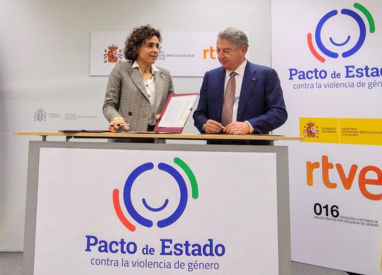 Firma del protocolo entre el Ministerio de Sanidad, Servicios Sociales e Igualdad y RTVE para promover la sensibilización y concienciación social en el marco del pacto de estado contra la violencia de