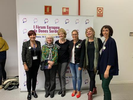 Amparo Minguet ( CNSE), Liisa Kauppinen (WFD), Carolina Galiana (Fesord), Jaana Altonen (Asociación de Personas Sordas de Finlandia), y Concha Díaz (CNSE)
