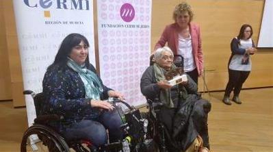 El CERMI premia al Pacto de Estado contra la violencia de género y a Pilar Ramiro por su activismo en el movimiento de la discapacidad