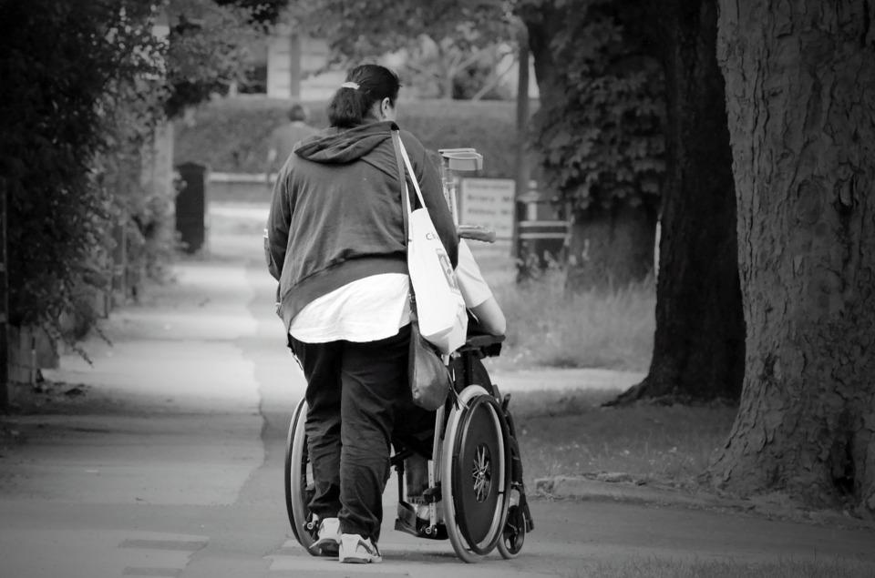 Persona usuaria de silla de ruedas