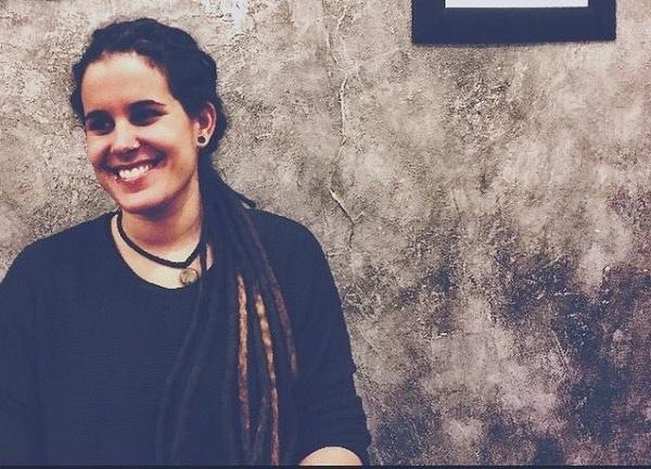 Mónica Rodríguez Varela, actiivista sorda, feminista, queer, y especialista en lengua de signos española