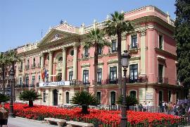 Ayuntamiento de Murcia (De H.Helmlechner - Trabajo propio, CC BY-SA 4.0, https://commons.wikimedia.org/w/index.php?curid=67195879)