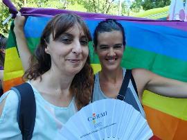 Isabel Caballero y Laura Serra, de la FCM, participaron en el Orgullo 2019 como representantes de las mujeres y niñas con discapacidad