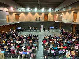 """Más de 300 mujeres y niñas con discapacidad reivindican en el Parlamento de Navarra su derecho """"a una vida libre de violencias"""""""